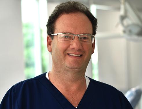 Dr Moises Lukowiecki